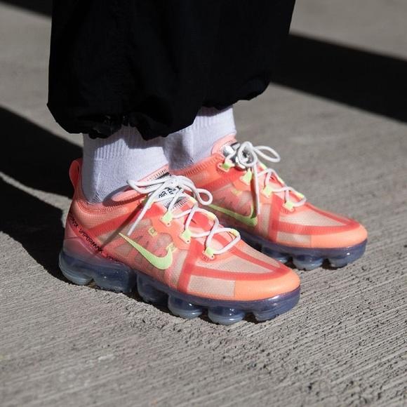 Nike Vapormax 29 Pink Tint Volt Brand
